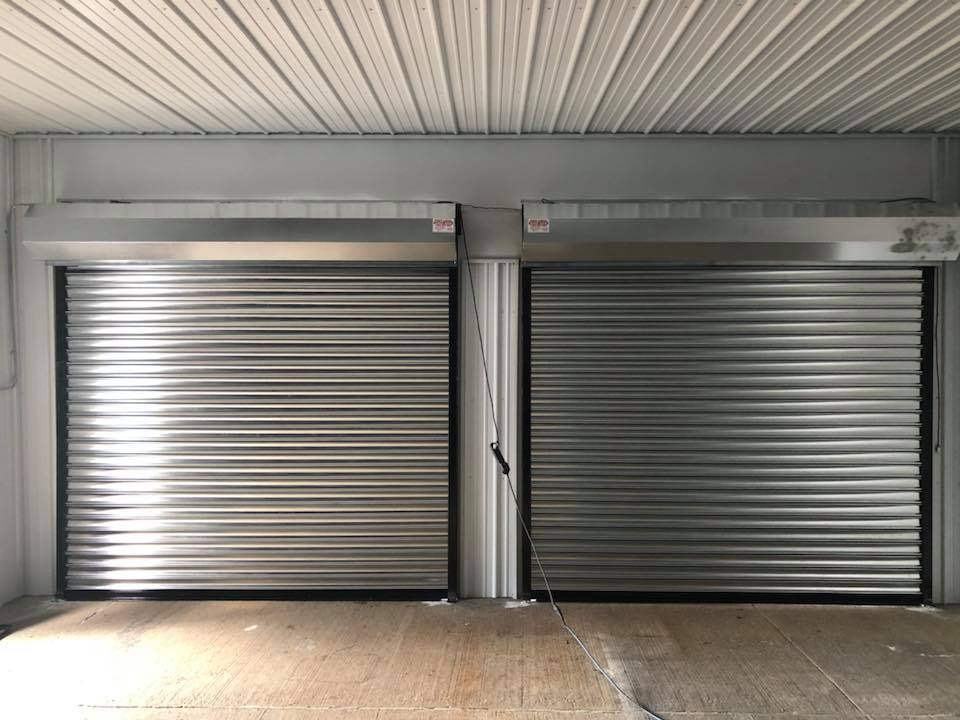 Fast Local Rolling Gates